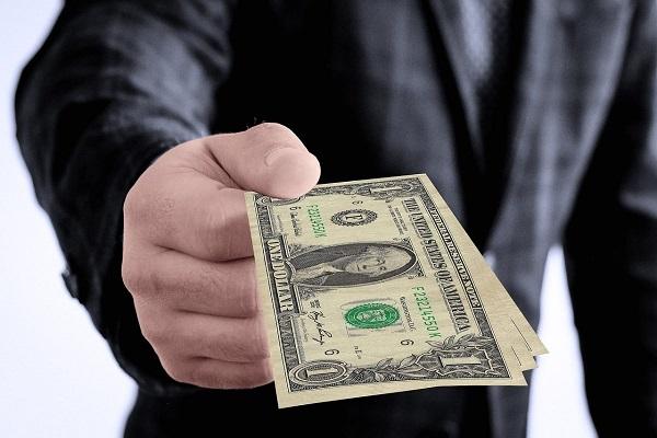 وکیل قاچاق کالا و ارز