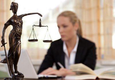 بهترین وکیل زن ایران