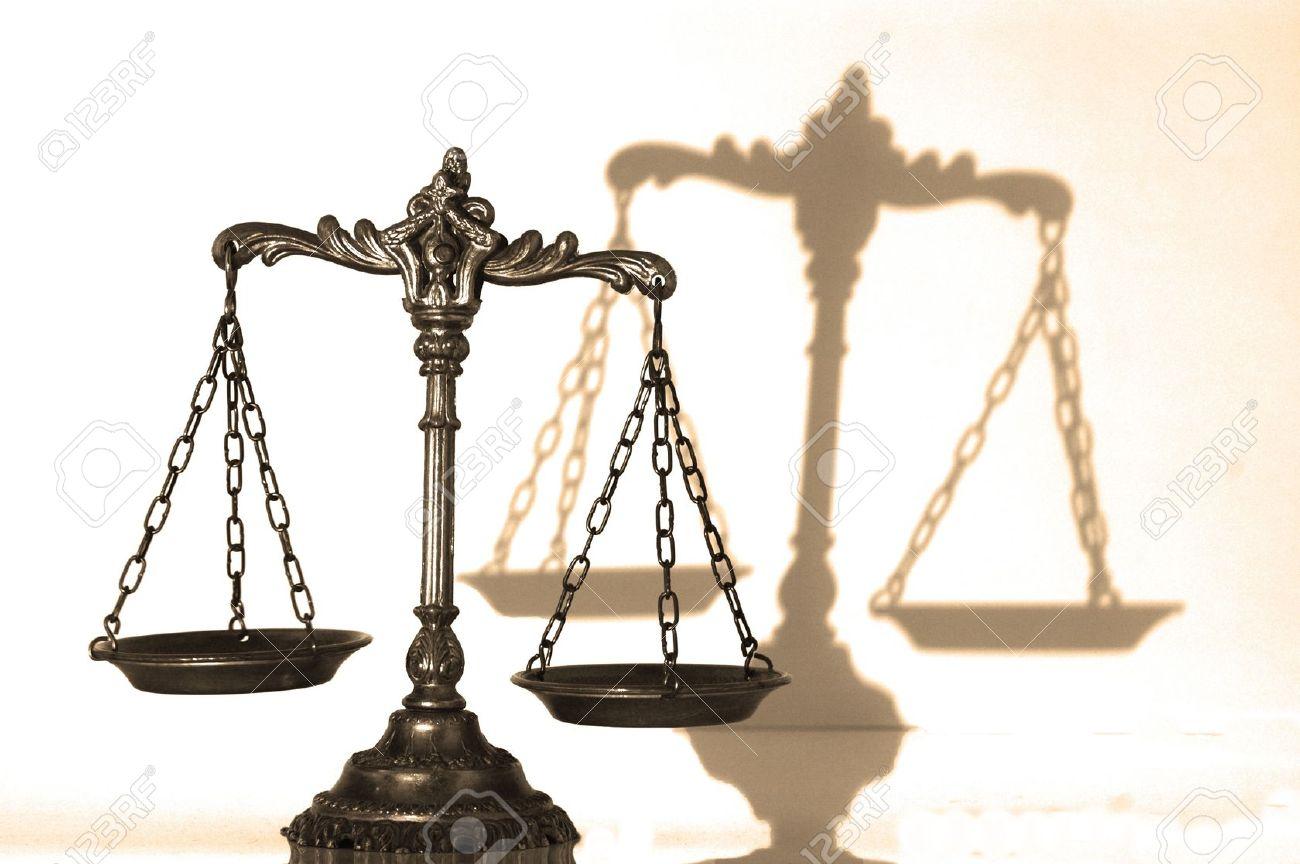 وکیل پایه یک دادگستری و مشاور حقوقی