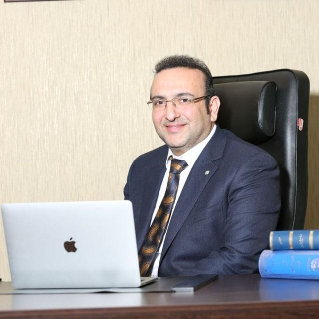 وکیل متخصص امور بانکی