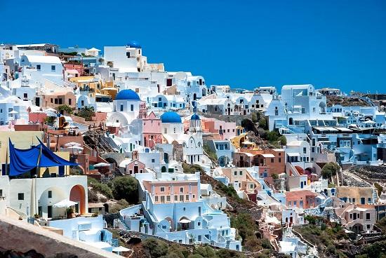چرا اقامت تمکن مالی یونان